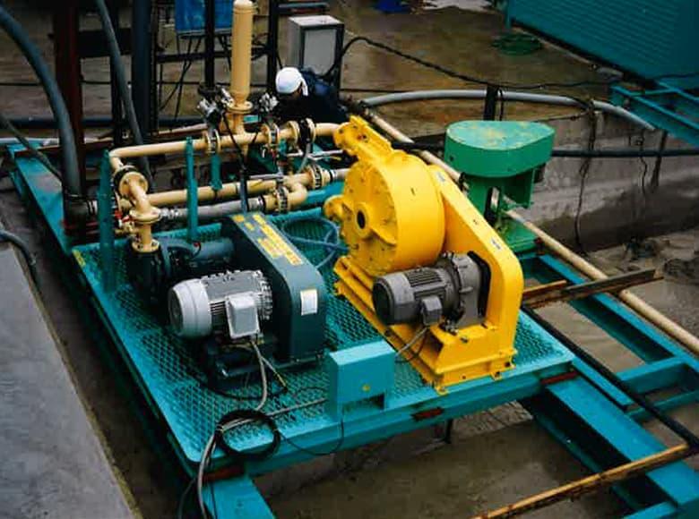 高圧汚泥打ち込みポンプ FTPU型