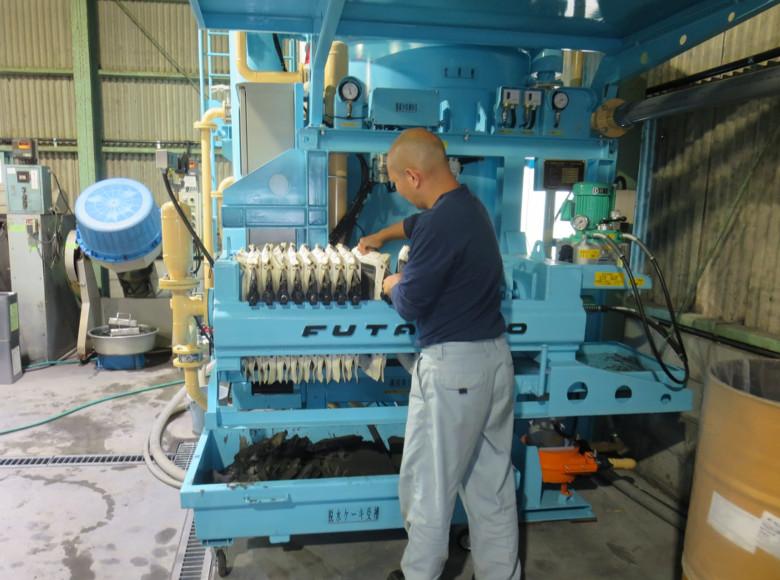 EV型廃水処理プレス脱水装置